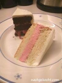 Schokoladenkuchen mit Himbeercurd und Vanillekuchen mit Erdbeer-Frischkäse-Buttercreme